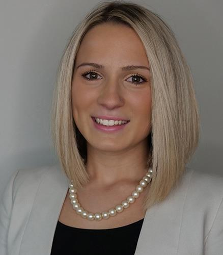 Alexandra Motta  Agent